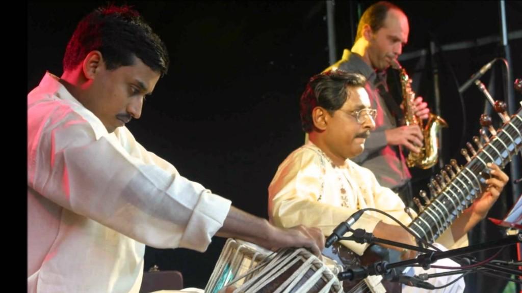 Native soil en concert centre culturel arabe en pays de for Soil tour dates 2015